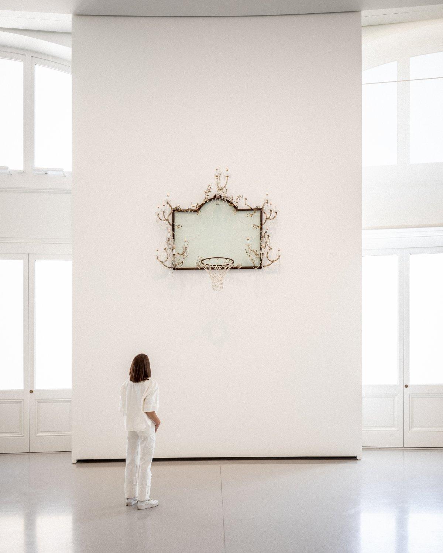 Untitled, David Hammons, 2000. © David Hammons. Courtesy de l'artiste et Pinault Collection. Photo : Aurélien Mole